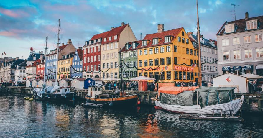 Danske spillesteder for å holde stengt frem til 5. april