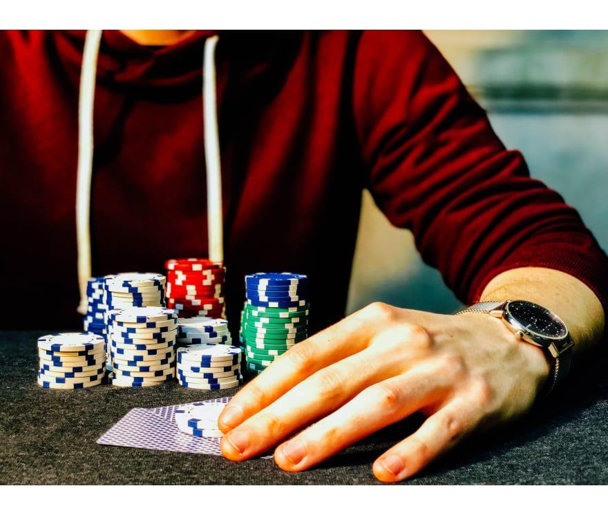 Topp online kasinoer for å spille Live Casino Holdem